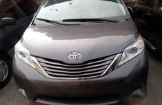 Toyota Sienna 2015 Brown for sale