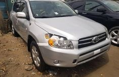Almost brand new Toyota RAV4 Petrol 2007 Silver for sale
