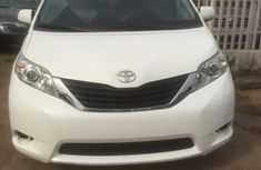 2012 Toyota Sienna White for sale