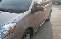 Toyota Sienna 2009 Gold for sale