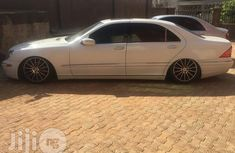 Neat Nigerian Used Mercedes Benz S500 2005 White For Sale