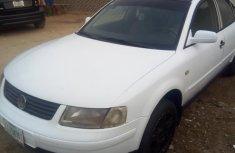 Volkswagen Passat 1999 White for sale