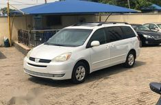 Toyota Sienna XLE 2005 White for sale