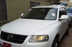 Volkswagen Touareg 2007 White for sale