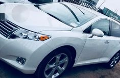 Toyota Venza 2010 White for sale
