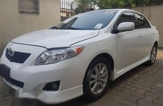 Toyota Corolla 2010 White for sale