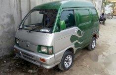 Nissan Vanette 2001 Green for sale