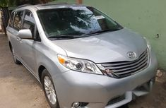 Tokunbo Toyota Sienna 2015 Silver for sale