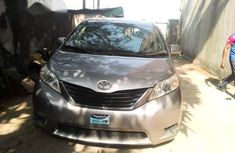 Toyota Sienna 2013 Gold for sale