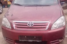 Toyota Avensis 2.0 D Verso 2002 Red for sale