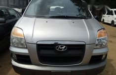Hyundai H200 2005 Silver for sale