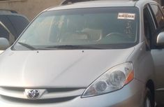 Toyota Sienna XLE AWD 2009 Gray for sale