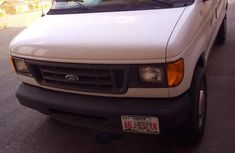 Ford Econoline 2004 Beige for sale