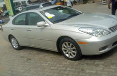 Toyota ES 2002 Silver for sale
