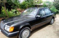 Mercedes-benz 200E 1990 Gray for sale