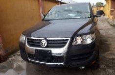 Volkswagen Touareg 2010 Gray for sale
