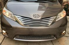 Toyota Sienna 2012 Brown for sale