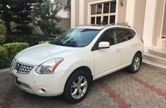 Nissan Rogue 2009 Petrol Automatic White for sale