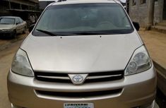 Toyota Sienna 2010 Gold for sale