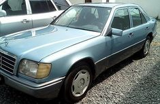 1994 Mercedes-Benz E220 Manual Petrol well maintained for sale