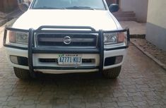 Clean Nissan Pathfinder 2005 White for sale