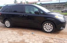 2012 Toyota Sienna Automatic Petrol well maintained for sale