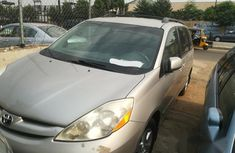 Toyota Sienna 2009 LE Beige for sale