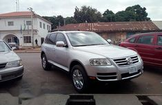 Volkswagen Touareg 2005 Automatic Silver for sale