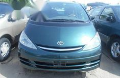 Toyota Previa 2004 Green for sale