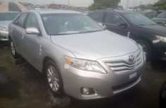 Toyota Camry XLE. 2011 Silver