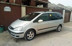 Ford Galaxy 2004 Gray for sale