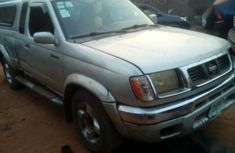 Clean Cheap Nissan Frontier 2000 Silver for sale