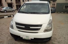 Hyundai H1 2010 2.4 GLS White for sale