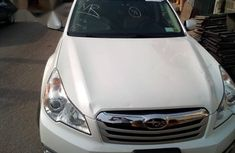 Subaru Outback 2013 White for sale