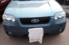 Clean Ford Escape 2005 Green for sale