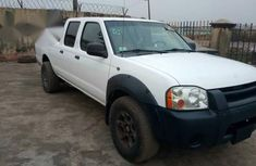 Nissan Frontier 2002 White for sale