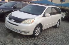 Toyota Sienna 2003 White for sale