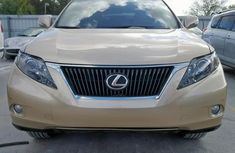 front-of-the-Lexus-RX-350