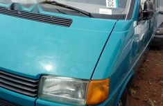 Volkswagen Caravelle 2002 Blue for sale