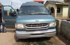 Ford Econoline 1999 6.8 Green for sale