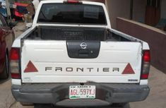 Nissan Frontier 2009 White