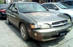 Almost brand new Nissan Altima 1998 for sale