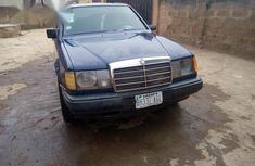 Mercedes-Benz 200 1996 Blue for sale