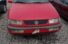 Volkswagen Passat 1998 Red