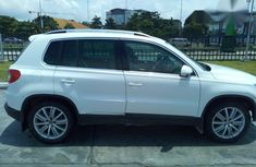 Volkswagen Taguan 2012 White for sale