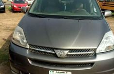 Extraordinary Clean Toyota Sienna 2005 with DVD and reverse camera. for sale
