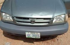 Clean Toyota Sienna 2000 model for sale
