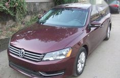 Volkswagen Passat 2014 Red for sale
