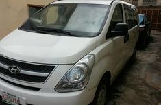 Hyundai H1 2015 White for sale