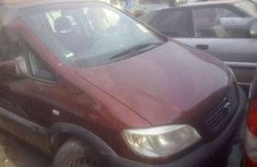 Red 2002 Opel Zafira Manual for sale